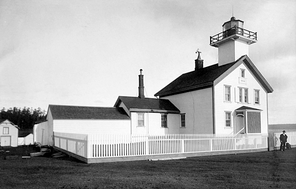 AdmiraltyHead lighthousefriends